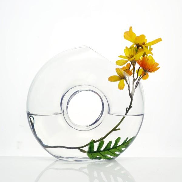 sklenena-vaza-o-vase