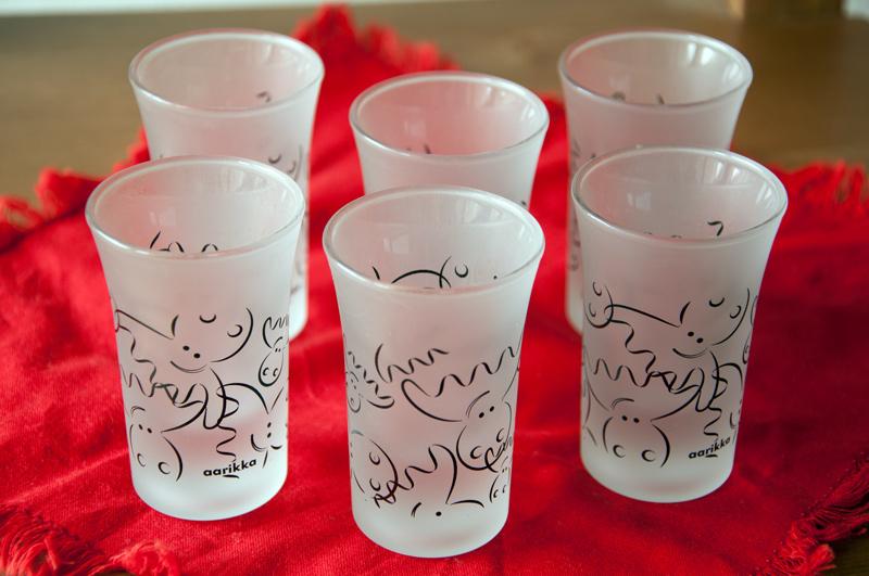 Skleničky na panáky  Aarikka v matném skle se symbolikou losa