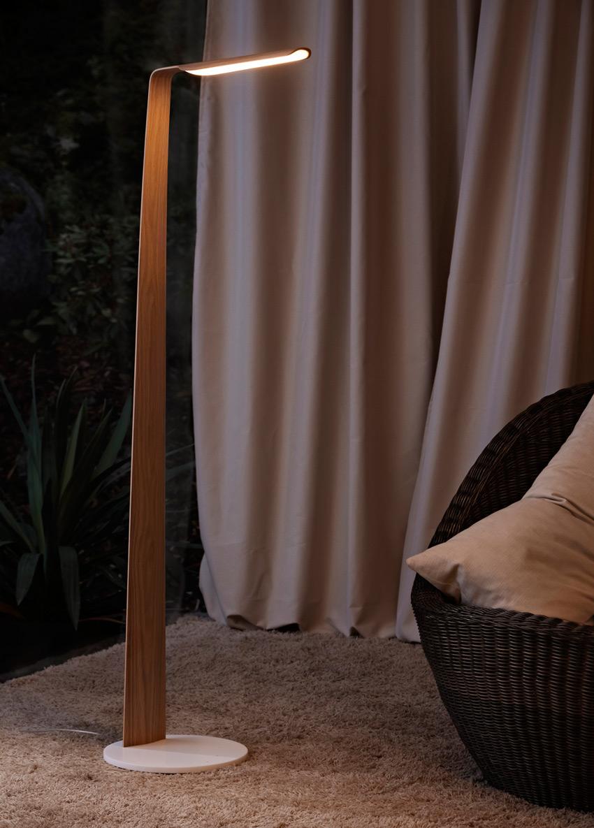 tunto-swan-stojaci-lampa