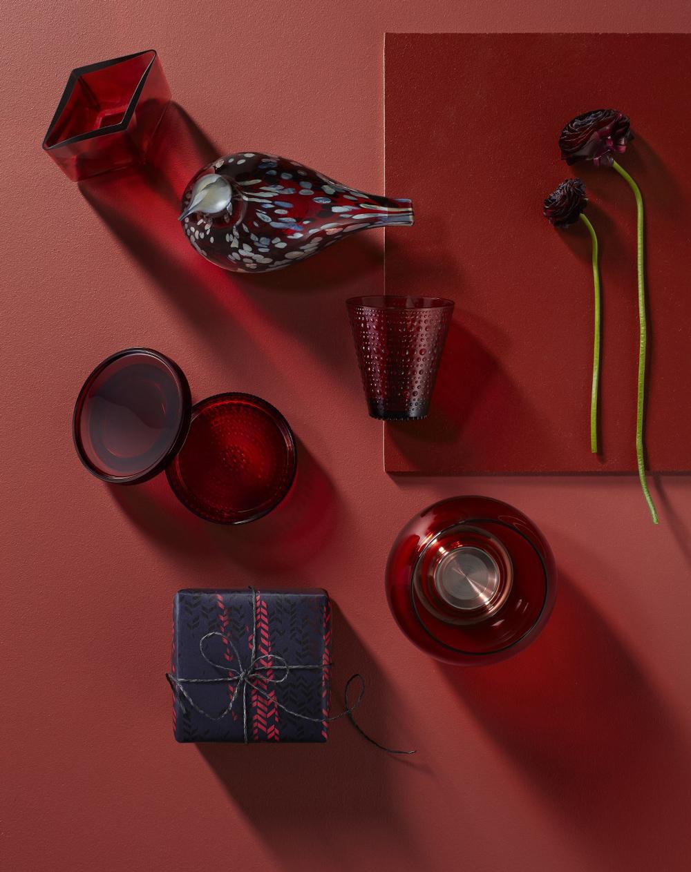 Iittala-Xmas-2016-gifting-red_JPG