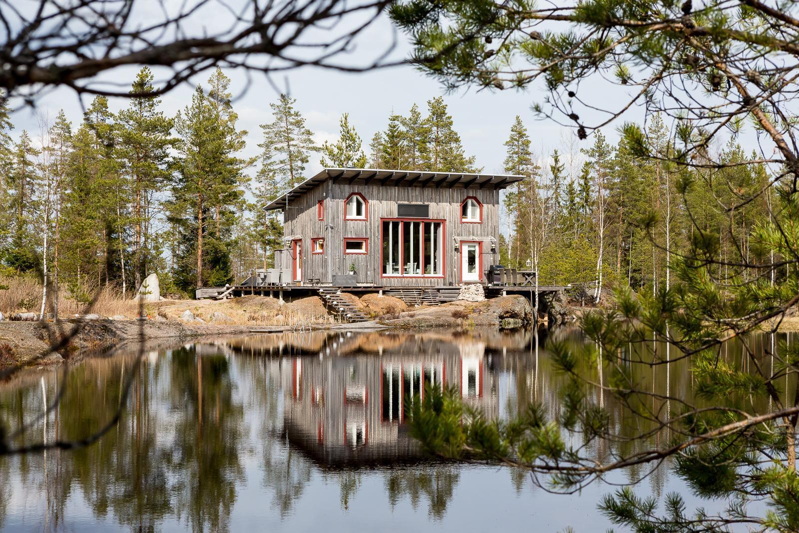 finska-chata-v-lese-1