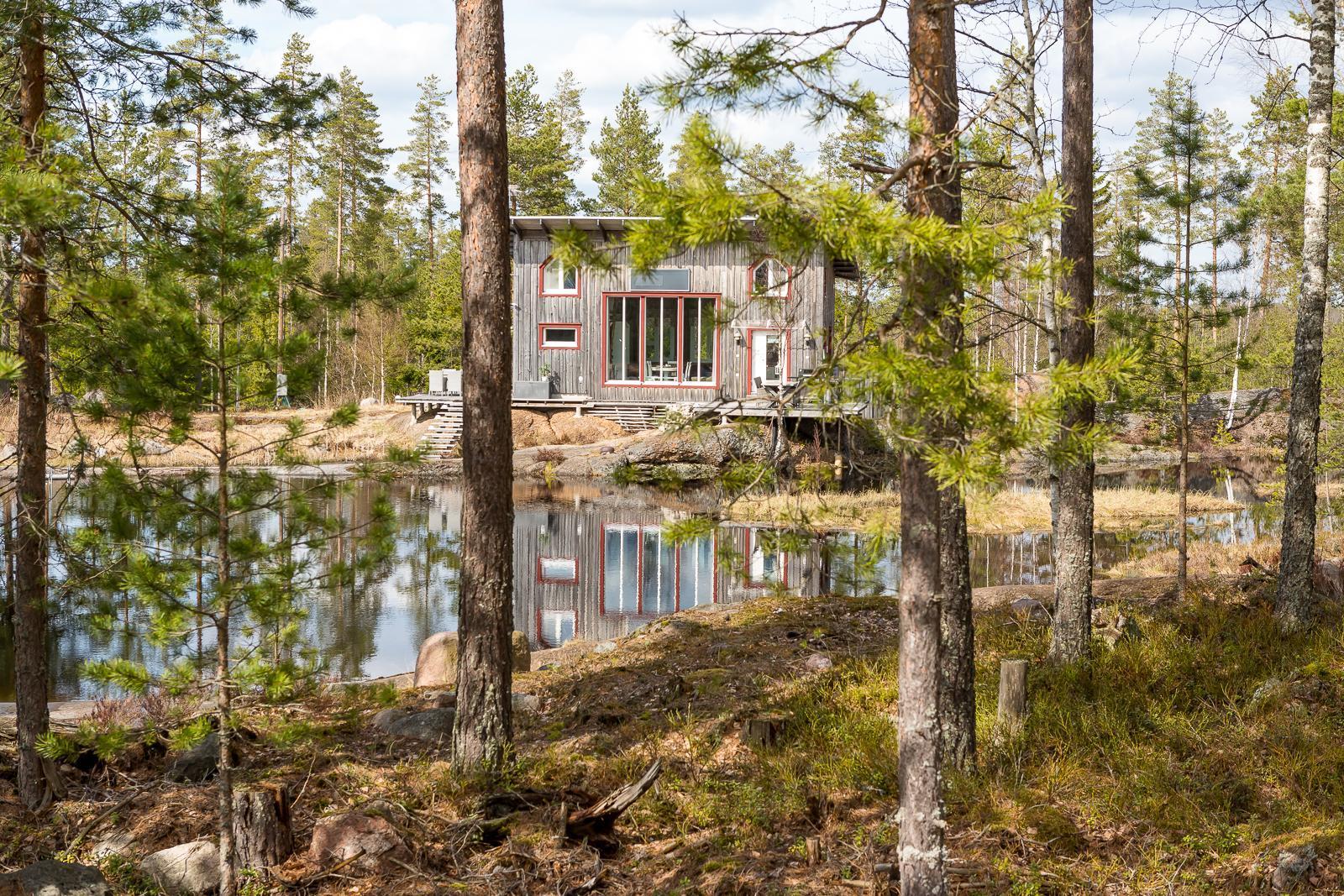 finska-chata-v-lese-4