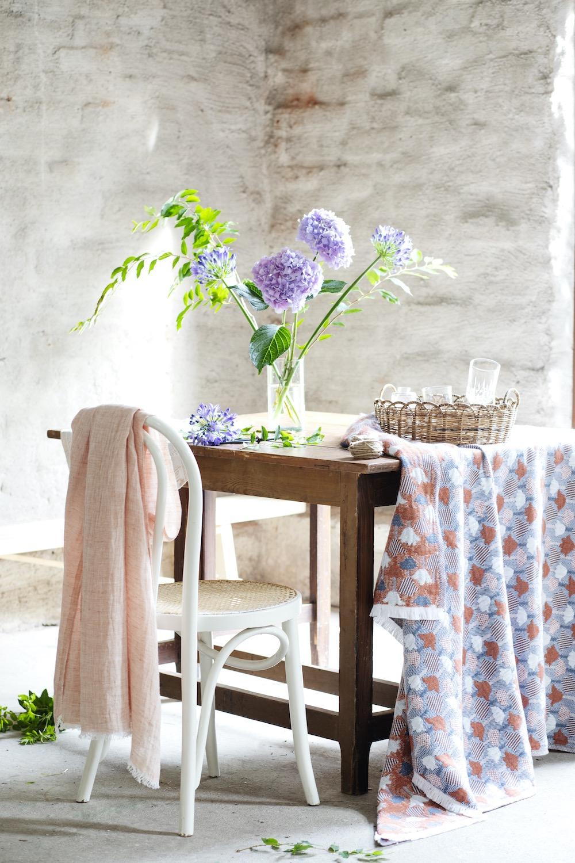 lempi_scarf_melange_cinnamon_design_team_lapuan_kankurit_tulppaani_blanket_140x240cm_cinnamon-blue_design_helmi_liikanen